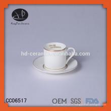 Coupe en céramique unique avec jante en or et soucoupe, tasse à café specia designl et soucoupe avec décalque