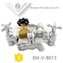 EM-V-B013 Macho fio curto corpo latão polimento bibcock