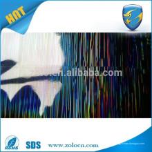 Folha holográfica auto-adesiva