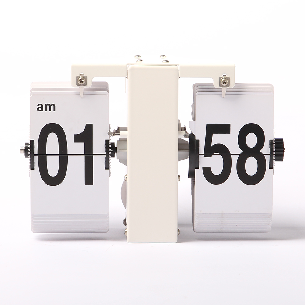 Clock With Flipping Numbers
