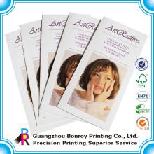 Alibaba moda personalizada de alta calidad Pantone / CMYK impresión brillante C2S diseño de folleto de papel cosmético de arte
