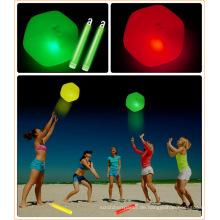 Glühen im dunklen springenden Ball-Glühen-Stock führte Strandball