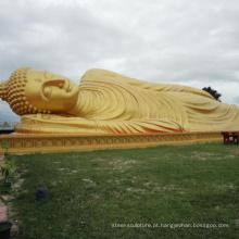 Banhado a ouro pequeno dormindo grande estátua de Buda