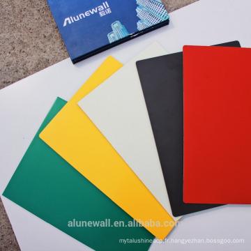 En gros brillant / surface métallique Alunewall PE enduit panneau composite en aluminium 2M largeur