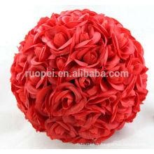 Boules roses artificielles rouges passionnées pour le mariage