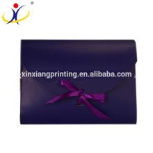 Conception adaptée aux besoins du client! Boîte faite sur commande colorée d'emballage d'enveloppe de fantaisie avec Bowknot