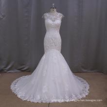 V profundo vestido de noiva de renda de sereia