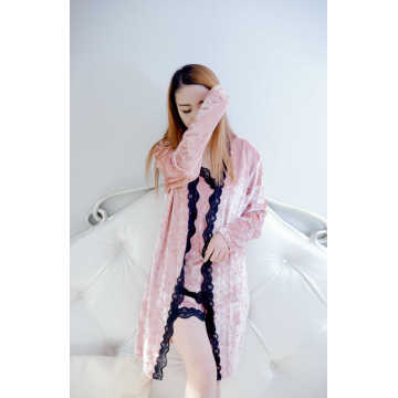 Pink koreansk fleece- og blonde-pyjamasæt