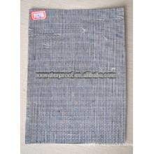 Tapis composite à membrane imperméable à l'eau avec renforcement en fibre de verre