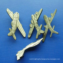 Plane Zinc Alloy Lapel Pin, Gold Plated Badge (GZHY-BADGE-028)