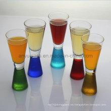 Vidrios coloridos de Martini, vidrios del coctel, taza y taza del vidrio de vino