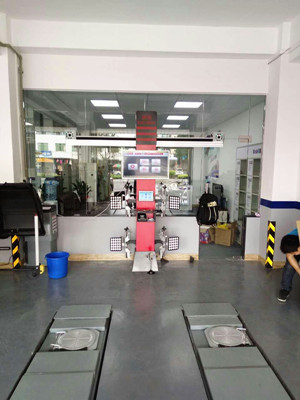 Wheel Aligner Machine for Garage