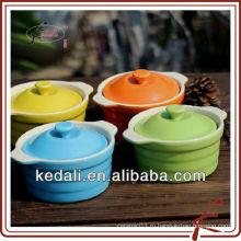Цветная керамическая посуда с крышкой