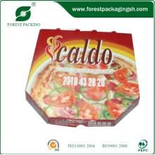 Caja de pizza corrugada hecha de papel blanco
