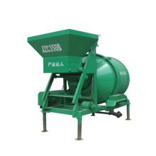 trailer pequeno tambor misturador de concreto com tremonha de elevação