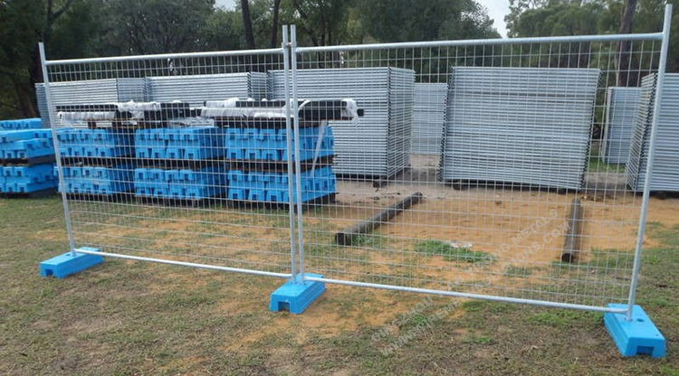 Heavy Duty Temporary Fence With Clamps And Stay