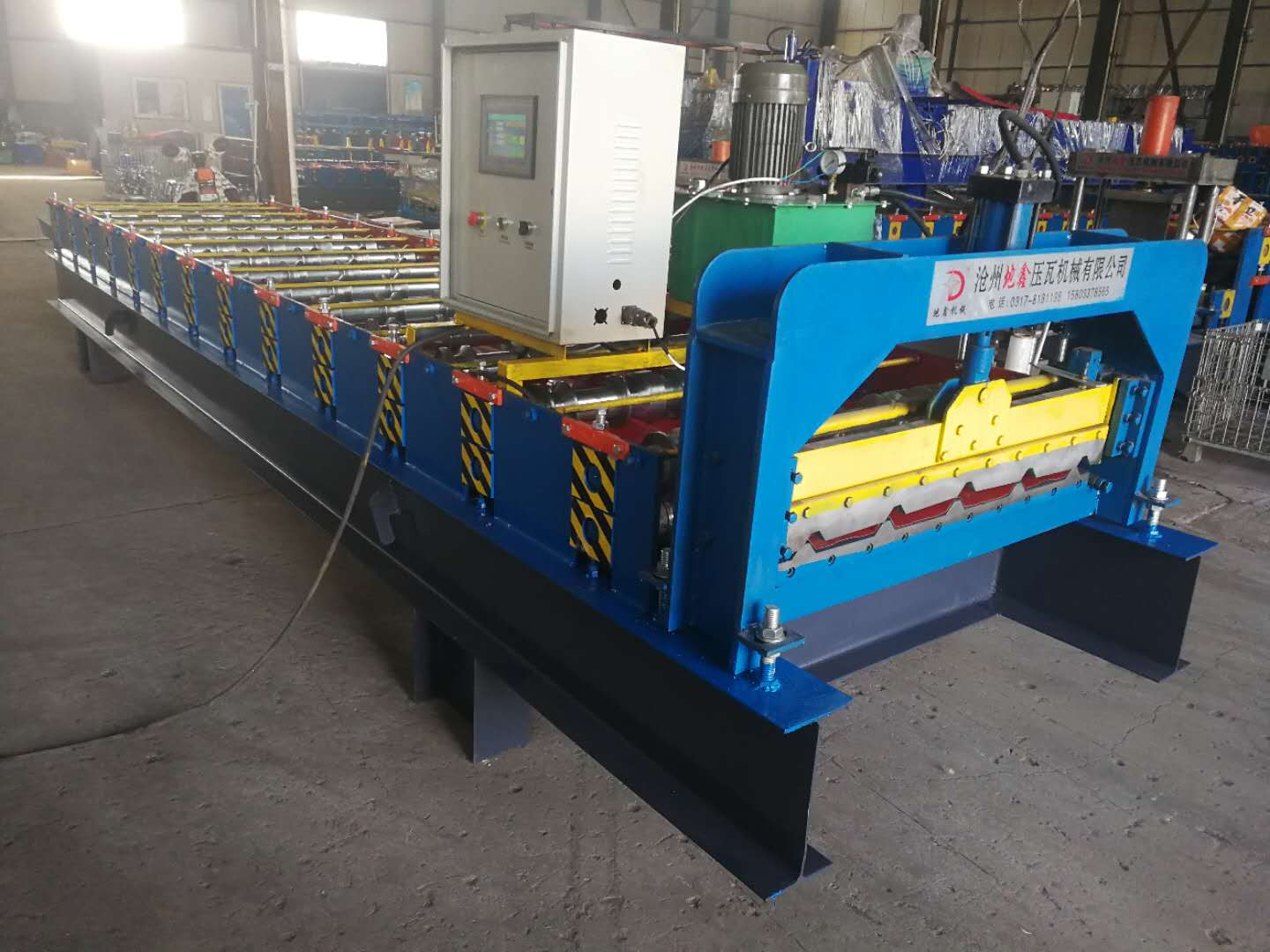 Building roof panel sheet machine
