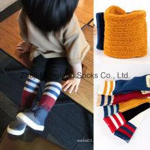 Kid de chaussettes de Sport avec le coussin de la moitié à l'intérieur du pied