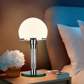 Lampe de table en verre blanc