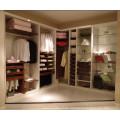 Paseo moderno en el armario (personalizado)