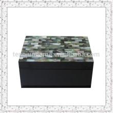 Boîte de rangement à base de tabac à la main avec mosaïque Shell