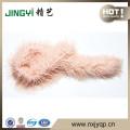 écharpe en fourrure faite à la main