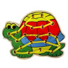 Juguete de madera de la tortuga del lazo para el bebé (80160)