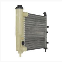 Auto radiador tanque de plástico tanque de água do carro