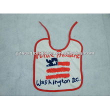 China fabricante logotipo impreso 100% algodón bebé baberos