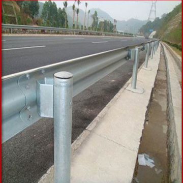 Оцинкованный W Beam Road Traffic Guardrail