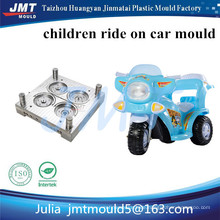 Soem-Plastikeinspritzungskinderspielzeug, das Motorradform läuft