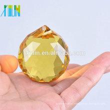 Bola de suspensão de cristal facetada barato por atacado do sol para a decoração da árvore do ano novo