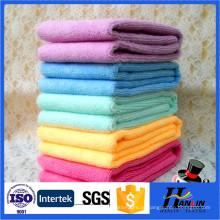Lavagem rápida de toalha de microfibra em microfibra
