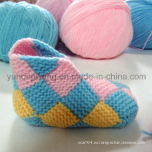 Calcetines hechos a mano del bebé del Crocheting, medias