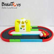 Bela plástico elétrico brinquedo raça pista carro para criança, com luz e música
