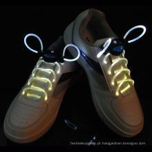 Iluminação de nylon até os laços de sapato da noite