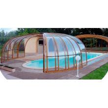Бассейн с солнечной комнатой