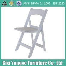 Cadeiras dobráveis de resina para eventos