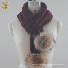 2017 Heißer verkaufender preiswerter Art und Weisepompom, der Schal für Frauen strickte