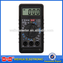 pequeño multímetro digital DT182 CE con Batterytest