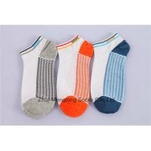 Sanfte Männer Baumwoll-Sport-Socken-Fashion-Look besteht aus feiner Baumwolle mit Kissen im Innern
