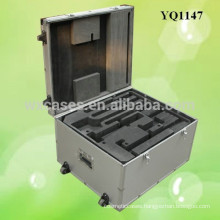 strong aluminum equipment protective case with 2 wheels from China manufacturer