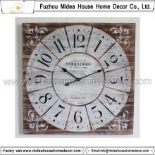 Conception d'horloge murale carrée en détresse