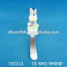 Cuchillo de mantequilla de cerámica con mango de conejo para la decoración de Pascua