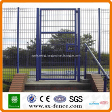 Standard wire mesh fence gate