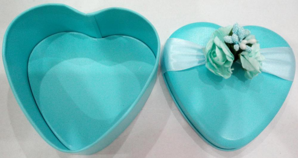 Heart Shape Candy Tin med blomsterdekoration