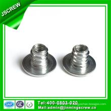 Acier carboné galvanisé Type D Insert Nut