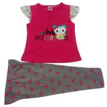 El juego de los niños del bebé del verano en ropa de los niños