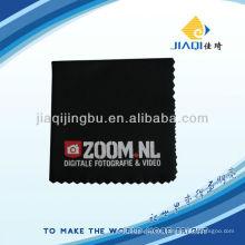 Tuch in schwarz mit hoher Farbbeständigkeit und Druck