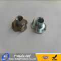 Zinc Plated 4 Prong Tee nueces